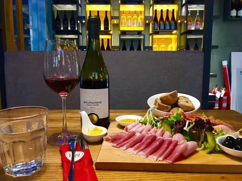 Vinoteka, Wine Bar And Boutique 维诺卡红酒馆 | Chengdu Expat