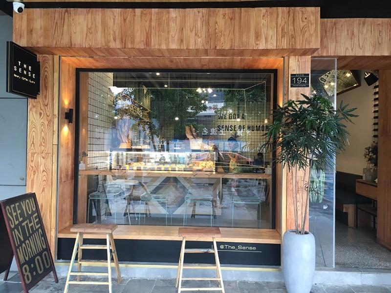 chengdu-expat-the-sense-cafe