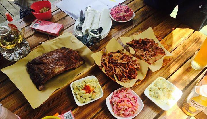 Iron-Pig-BBQ-Table