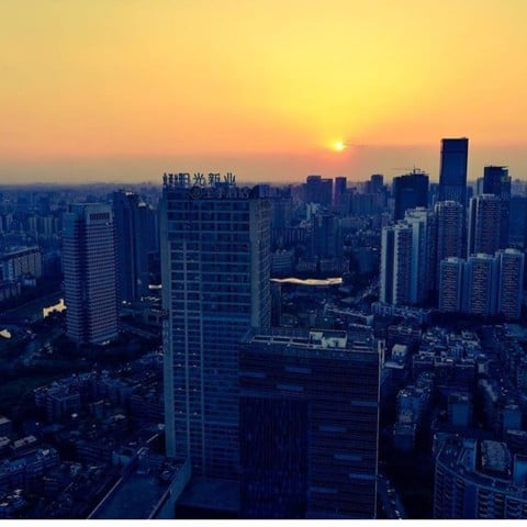 Sunset over Chengdu city ? @chinafeelings