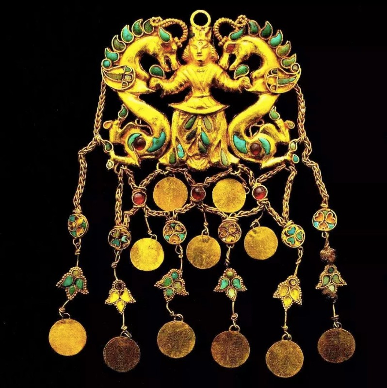 Ancient-Treasures-of-Afghanistan-Exhibition-02