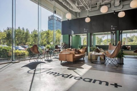 Mydream+ (Global Finance Center Branch)  梦想加空间 (环球金融中心店)