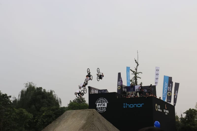 FISE_BACK_FLIP_FUNANDPROG_MOUNTAIN_BIKE