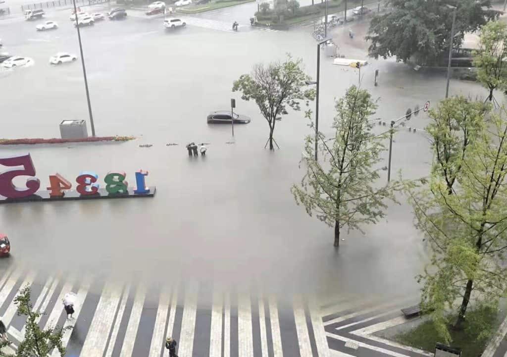 Torrential Rain submerges Chengdu - Chengdu Expat   Chengdu-Expat com