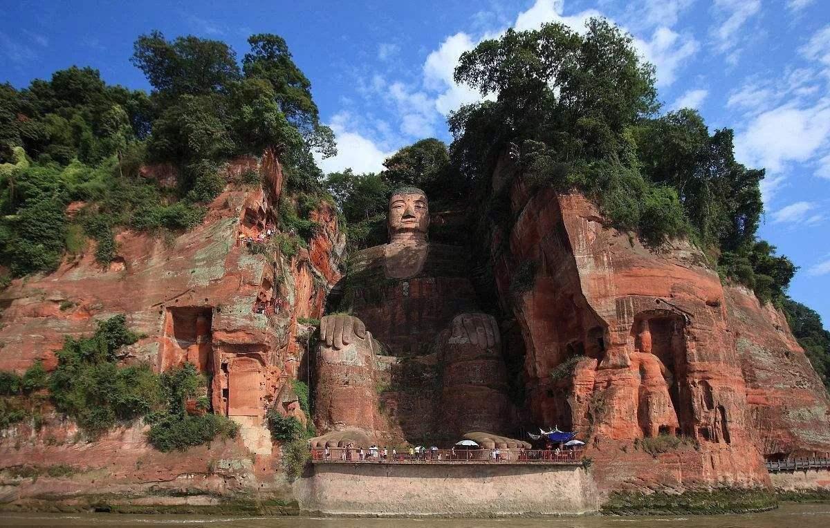 leshan giant budda chengdu expat